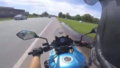 Photo of VÍDEO Espectacular persecución policial en moto
