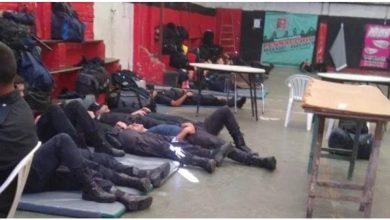 """Photo of VERGÜENZA NACIONAL: Policías, """"hacinados, sin armas ni protección"""""""