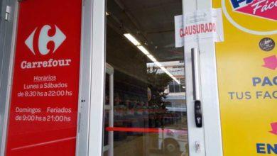 Photo of Ituzaingó: Clausuran las 2 sucursales de Carrefour por vender indumentaria